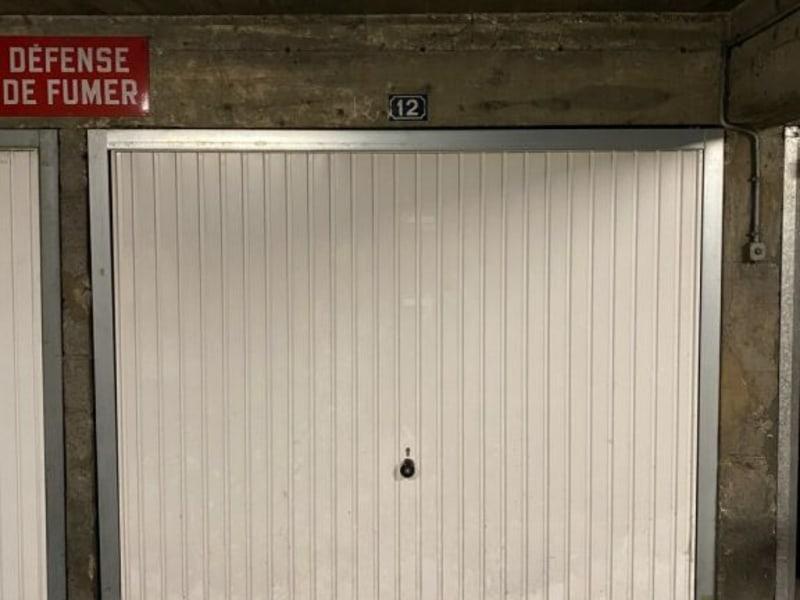 Rental parking spaces Courbevoie 128€ CC - Picture 2