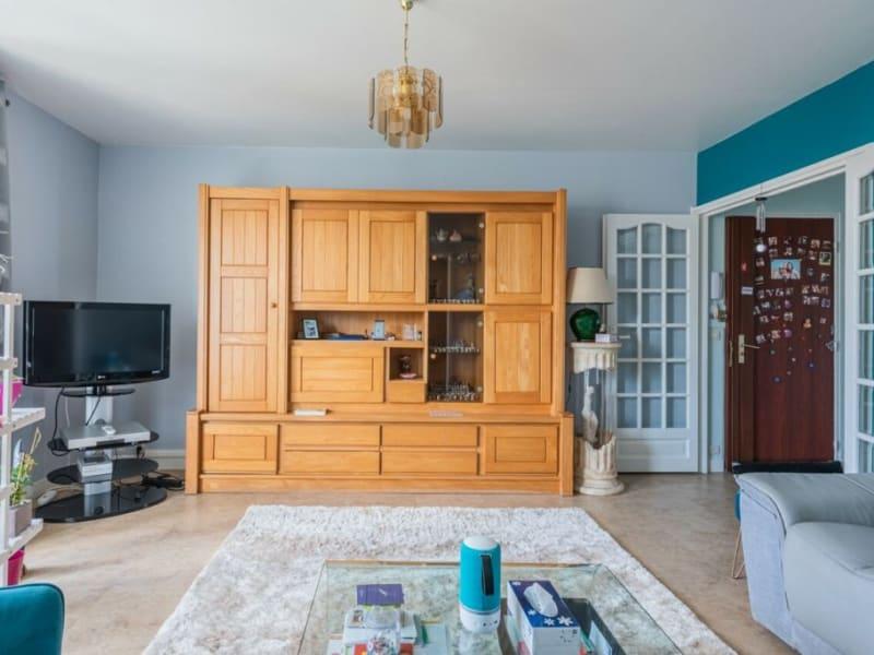 Sale apartment Courbevoie 535000€ - Picture 2