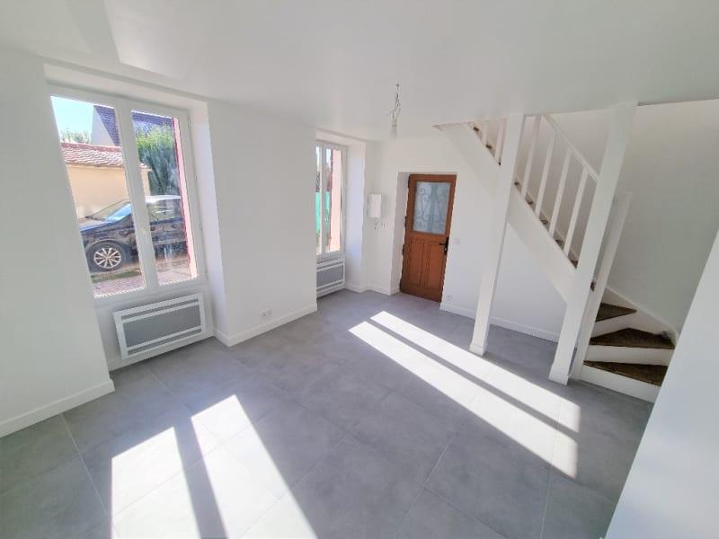QUAI DE SEINE / Appartement 3 pièces + Terrasse + Jardin + Box