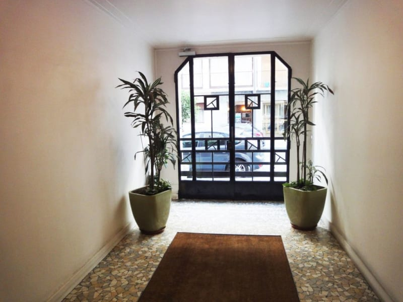 Location appartement Paris 17ème 1250€ CC - Photo 10