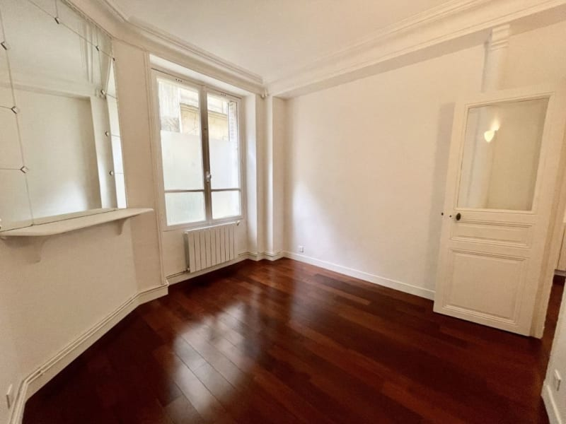 Location appartement Paris 16ème 1785€ CC - Photo 4