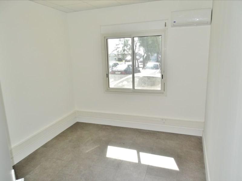 Rental empty room/storage Saint denis 1060€ HC - Picture 6