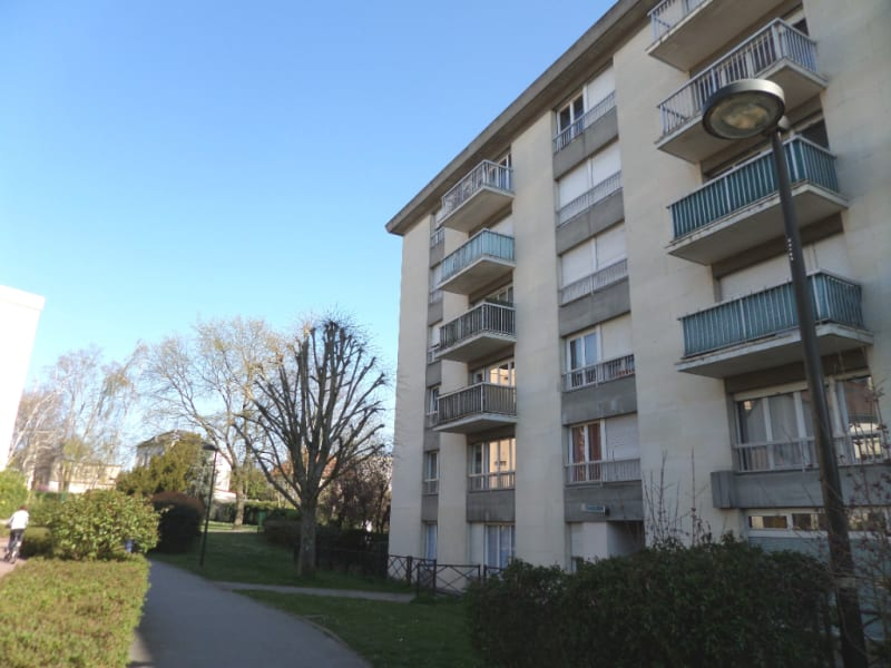 Sale apartment Le chesnay 220000€ - Picture 2