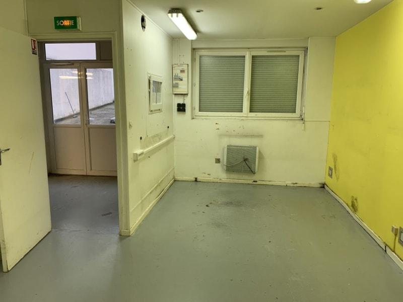 Rental empty room/storage Les pavillons sous bois 1100€ HC - Picture 3