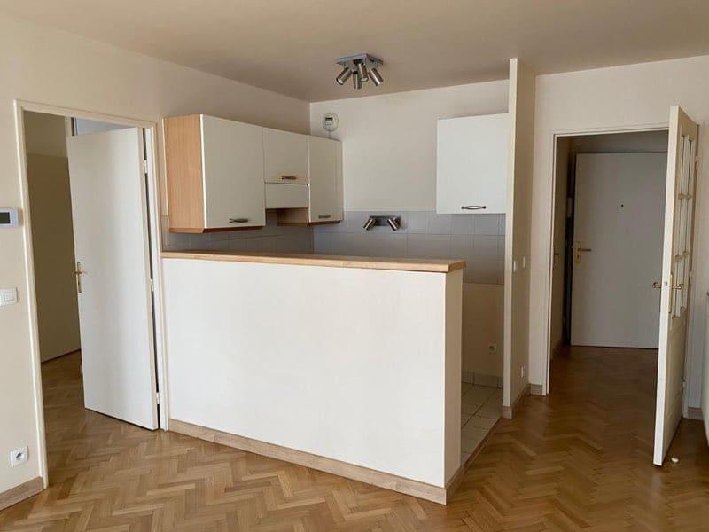 Rental apartment Courbevoie 1250€ CC - Picture 3