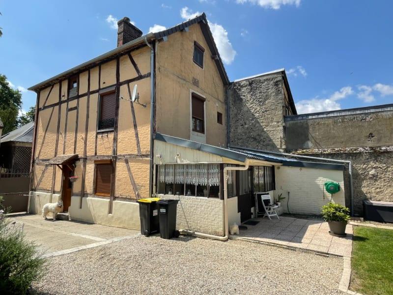 Sale house / villa Gisors 237000€ - Picture 1