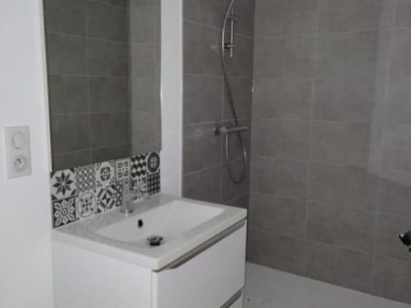 Location appartement Le coteau 330€ CC - Photo 2