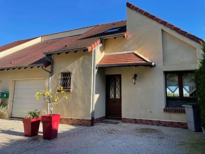 Sale house / villa Gisors 283000€ - Picture 1
