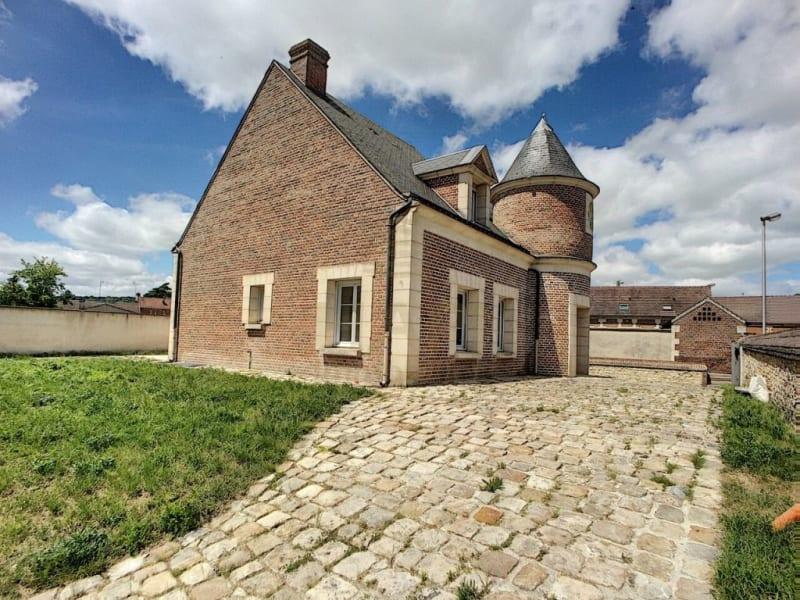 Sale house / villa Sacy-le-grand 395000€ - Picture 1