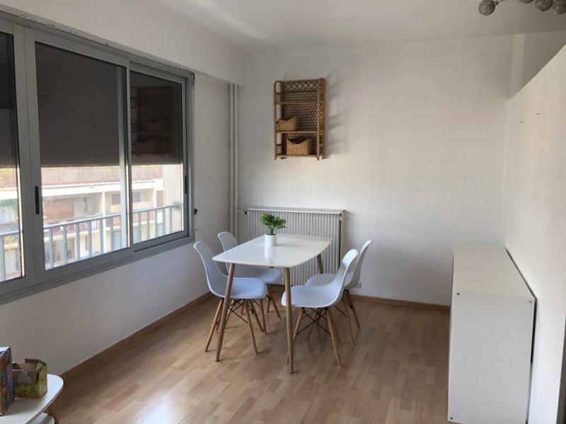 Rental apartment Paris 17ème 1300€ CC - Picture 2