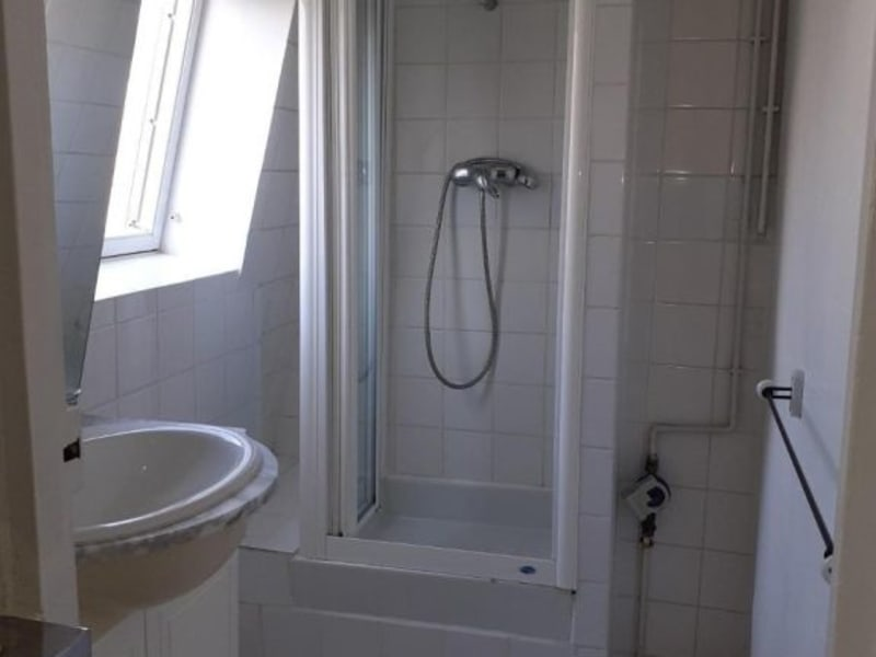 Location appartement Paris 8ème 799,49€ CC - Photo 9