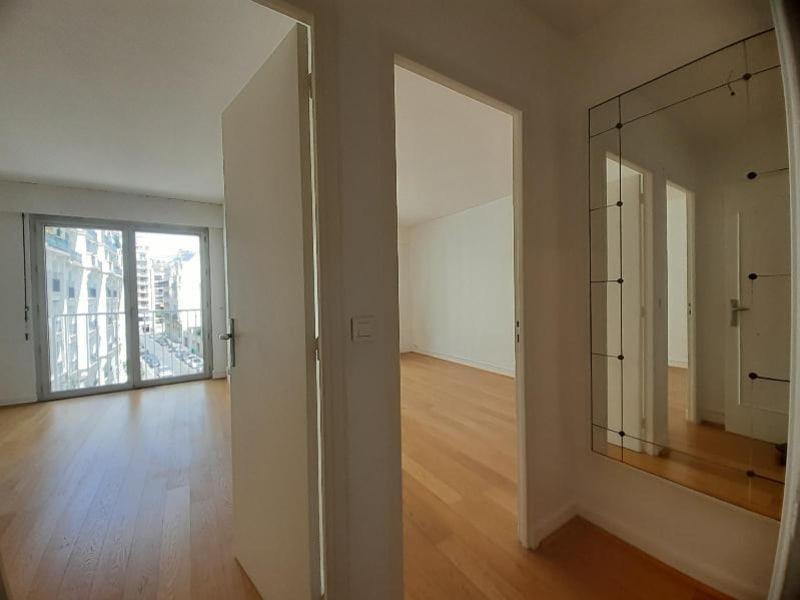 Location appartement Paris 16ème 2990€ CC - Photo 3