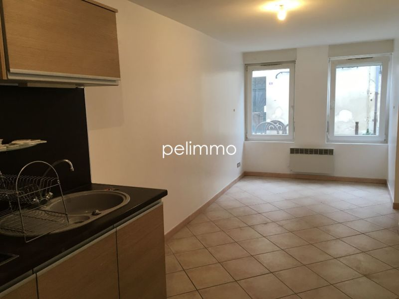 Rental apartment Pelissanne 450€ CC - Picture 1