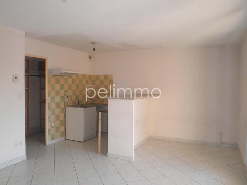 Rental apartment Salon de provence 530€ CC - Picture 2