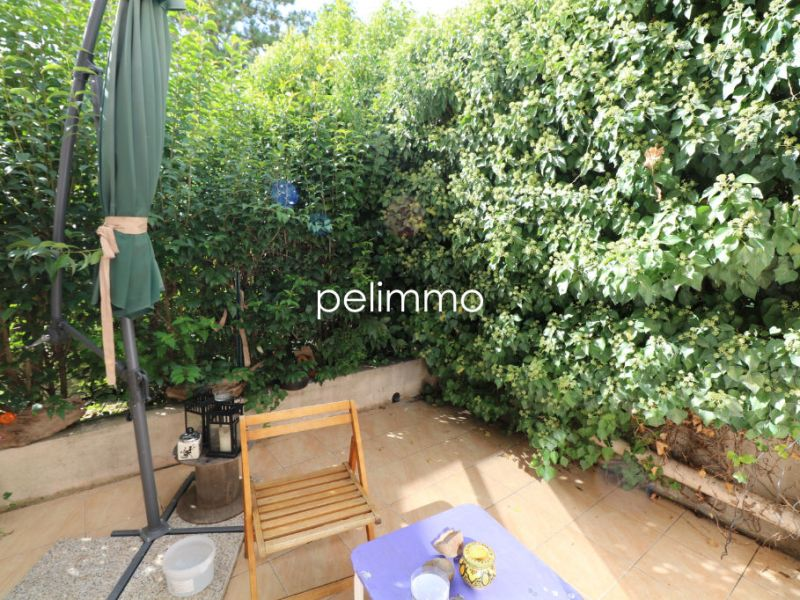 Rental apartment Salon de provence 470€ CC - Picture 2