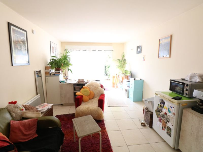Rental apartment Salon de provence 470€ CC - Picture 3
