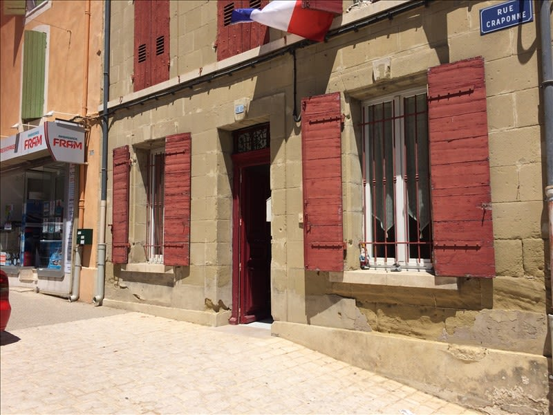 Rental apartment Eyguieres 531€ CC - Picture 1