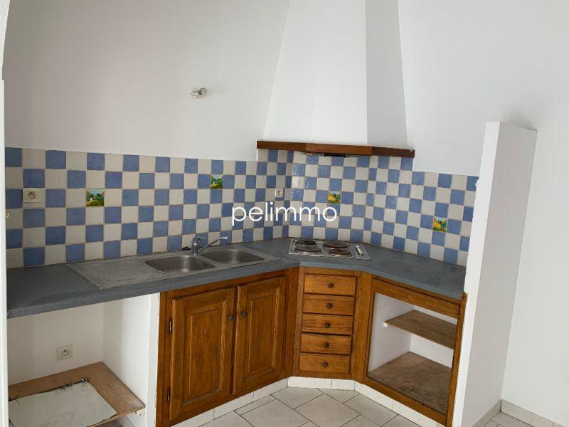 Rental apartment Eyguieres 515€ CC - Picture 2