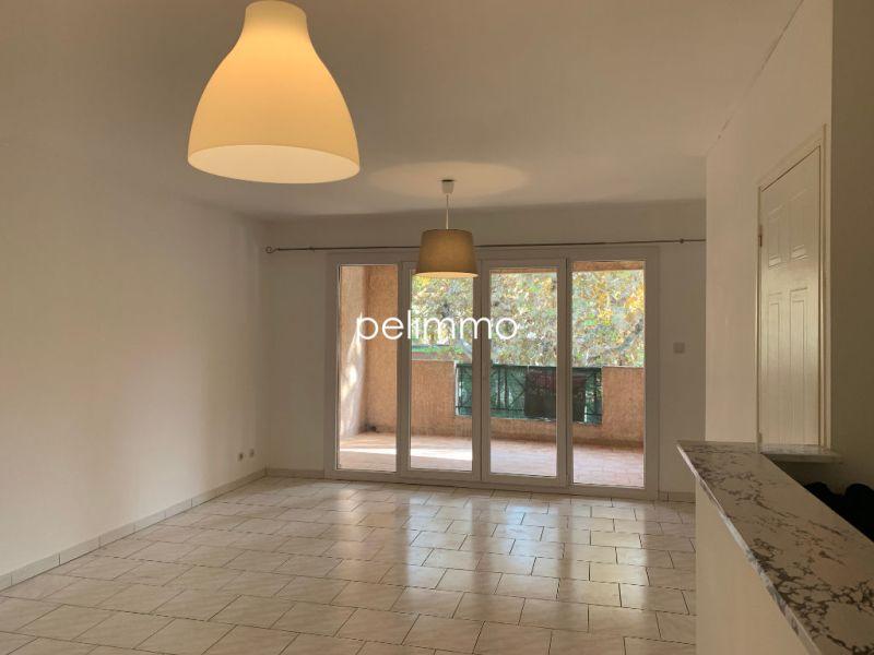 Rental apartment Salon de provence 640€ CC - Picture 3