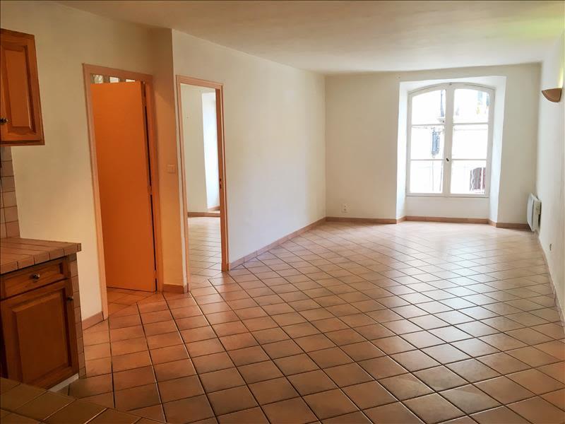 Rental apartment Pelissanne 650€ CC - Picture 1