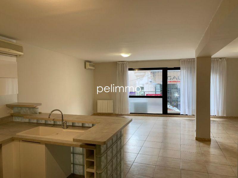 Rental apartment Salon de provence 950€ CC - Picture 2