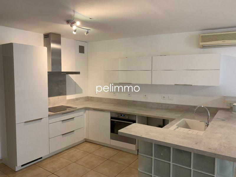 Rental apartment Salon de provence 950€ CC - Picture 3