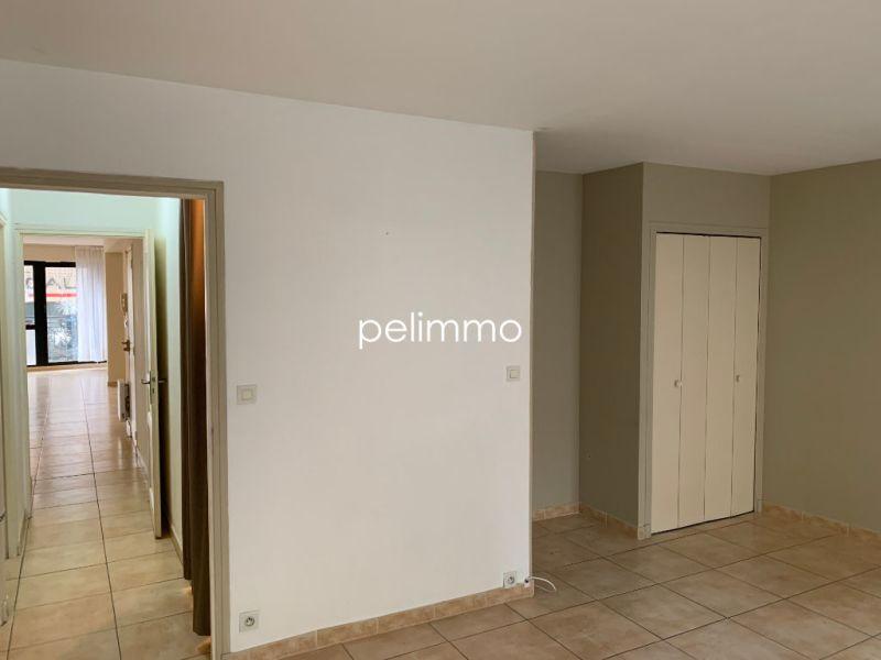 Rental apartment Salon de provence 950€ CC - Picture 6