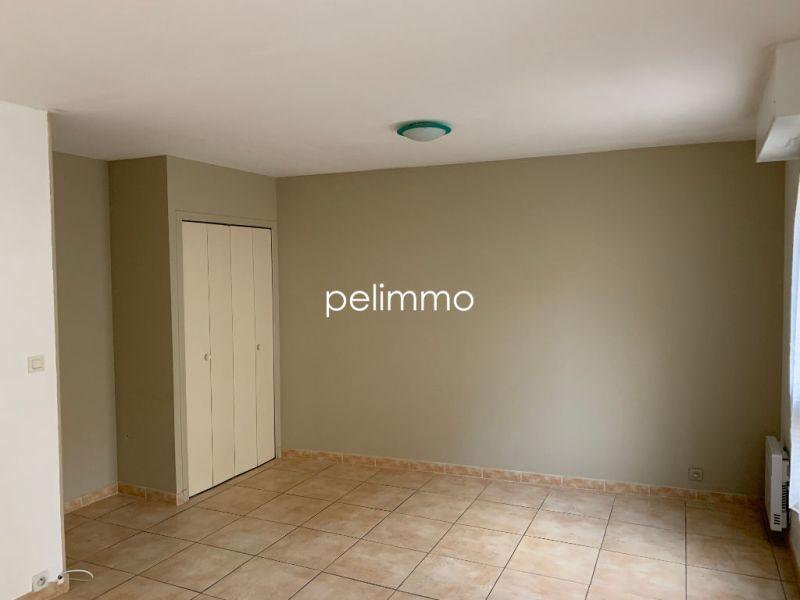 Rental apartment Salon de provence 950€ CC - Picture 8