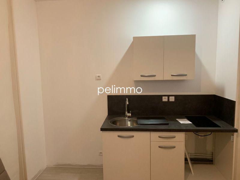 Rental apartment Salon de provence 430€ CC - Picture 5