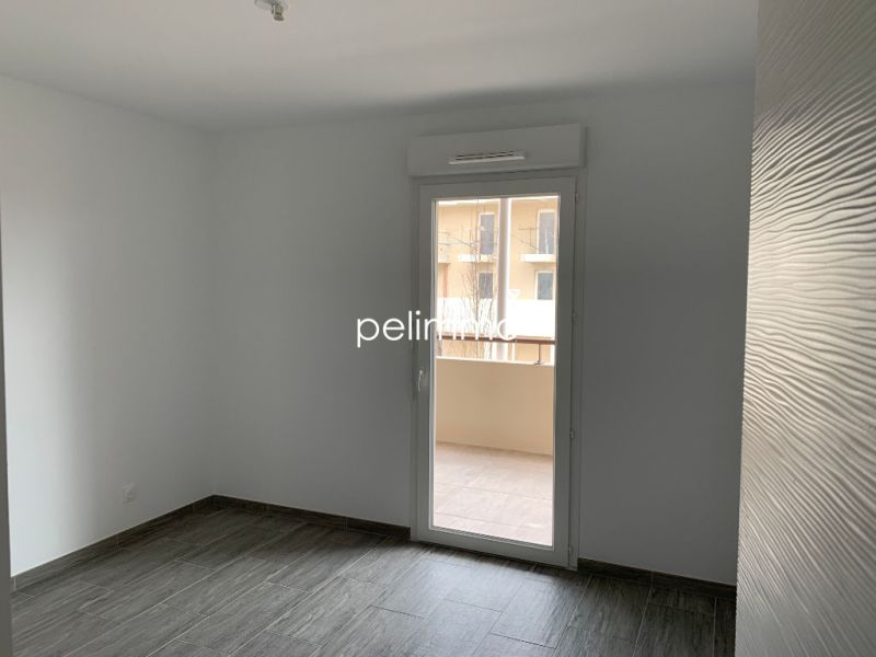 Rental apartment Salon de provence 865€ CC - Picture 4