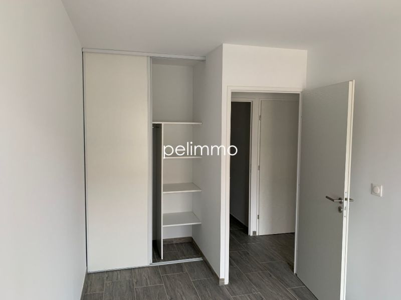 Rental apartment Salon de provence 865€ CC - Picture 7