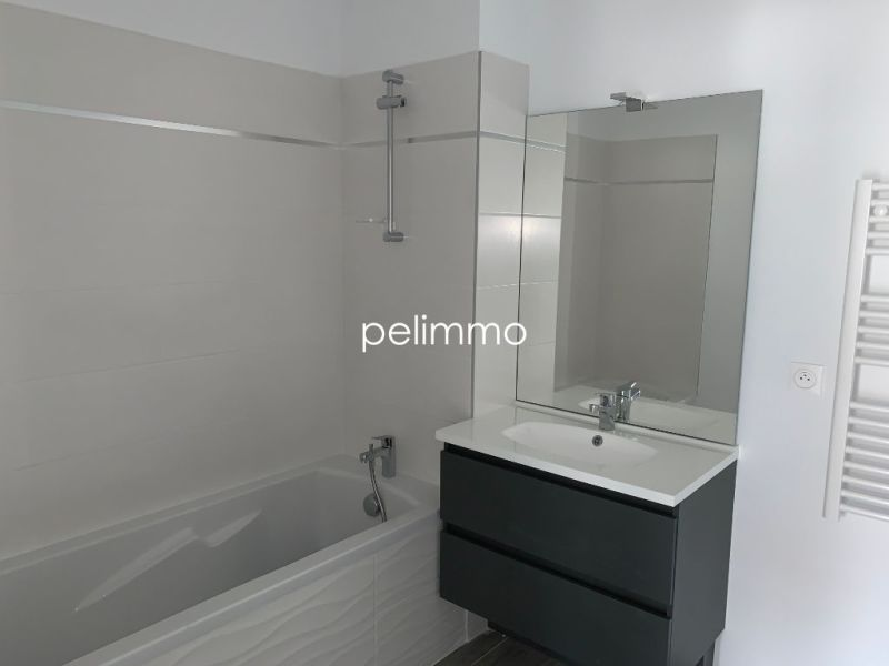 Rental apartment Salon de provence 865€ CC - Picture 8