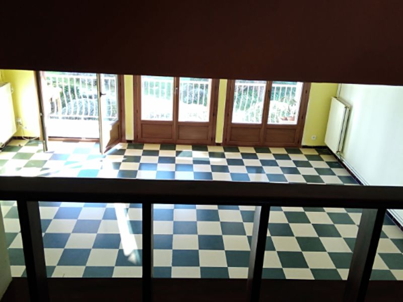 Rental apartment La ciotat 1136,88€ CC - Picture 1