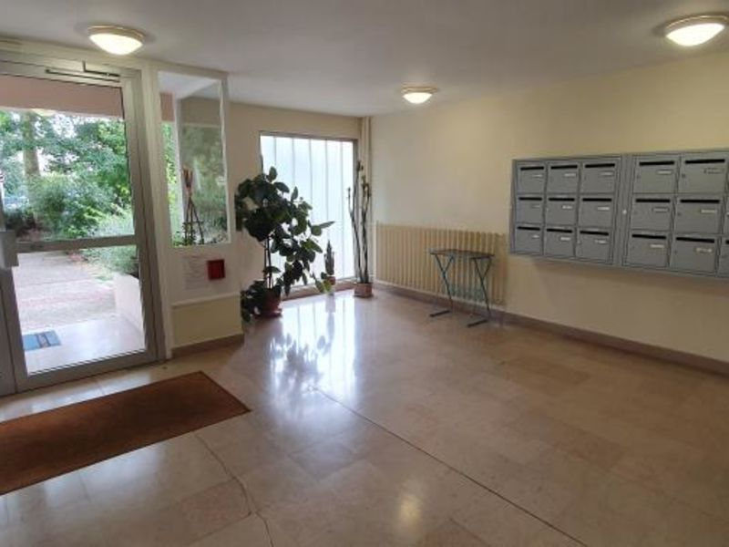 Sale apartment Compiegne 91 000€ - Picture 2