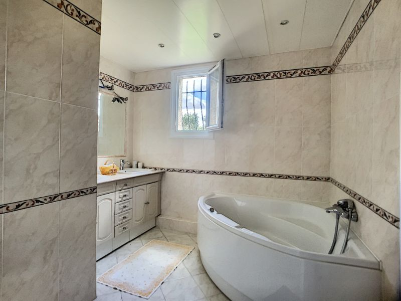 Vente maison / villa La cadiere d azur 865000€ - Photo 6