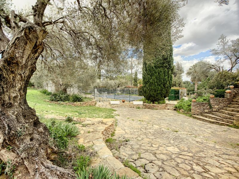 Vente maison / villa La cadiere d azur 865000€ - Photo 10