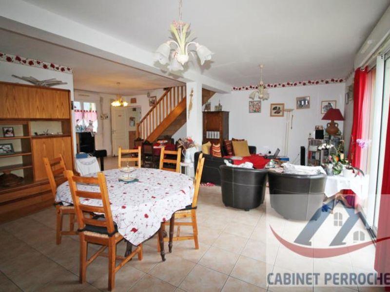 Sale house / villa La chartre sur le loir 172000€ - Picture 2