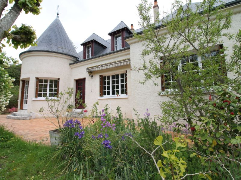 Sale house / villa La chartre sur le loir 234800€ - Picture 1