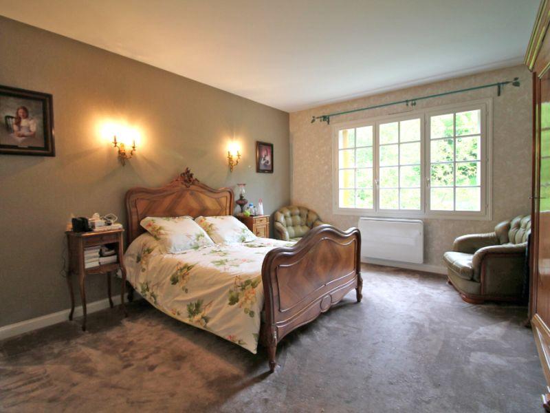 Sale house / villa La chartre sur le loir 234800€ - Picture 6