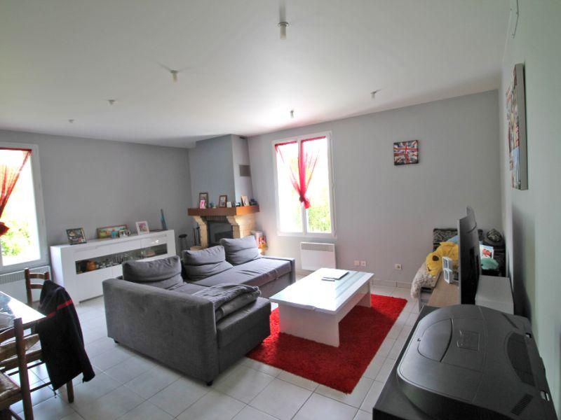 Sale house / villa La chartre sur le loir 86800€ - Picture 2