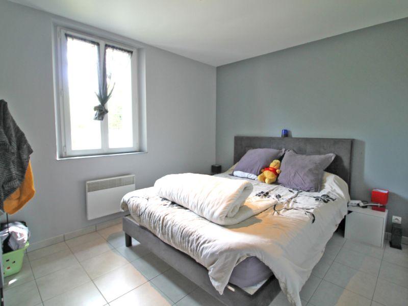 Sale house / villa La chartre sur le loir 86800€ - Picture 4