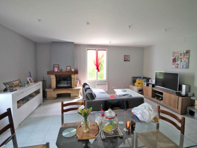 Sale house / villa La chartre sur le loir 86800€ - Picture 5