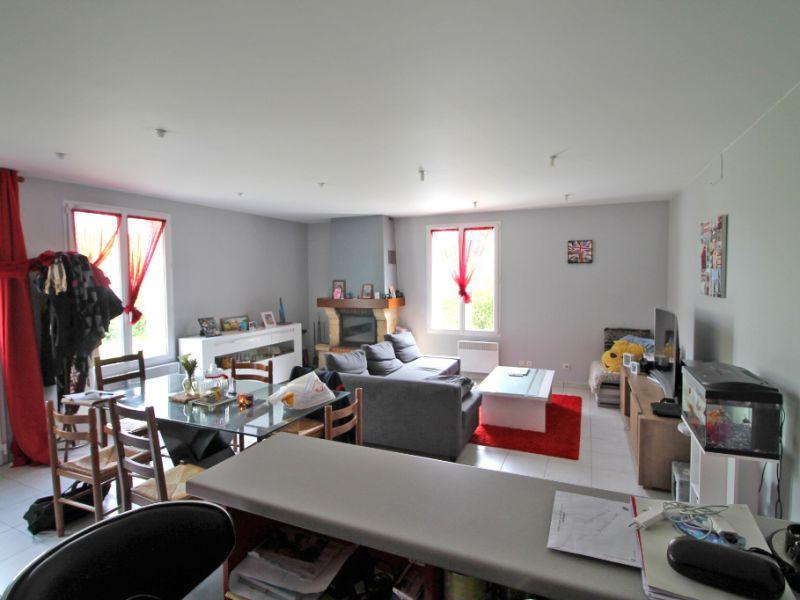 Sale house / villa La chartre sur le loir 86800€ - Picture 8