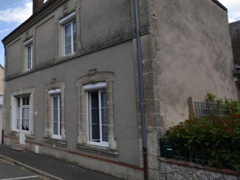 Sale house / villa Chemille sur deme 156600€ - Picture 2