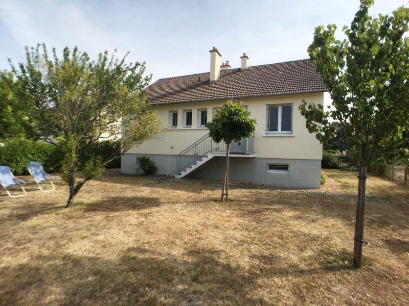 Sale house / villa La chartre sur le loir 78050€ - Picture 1