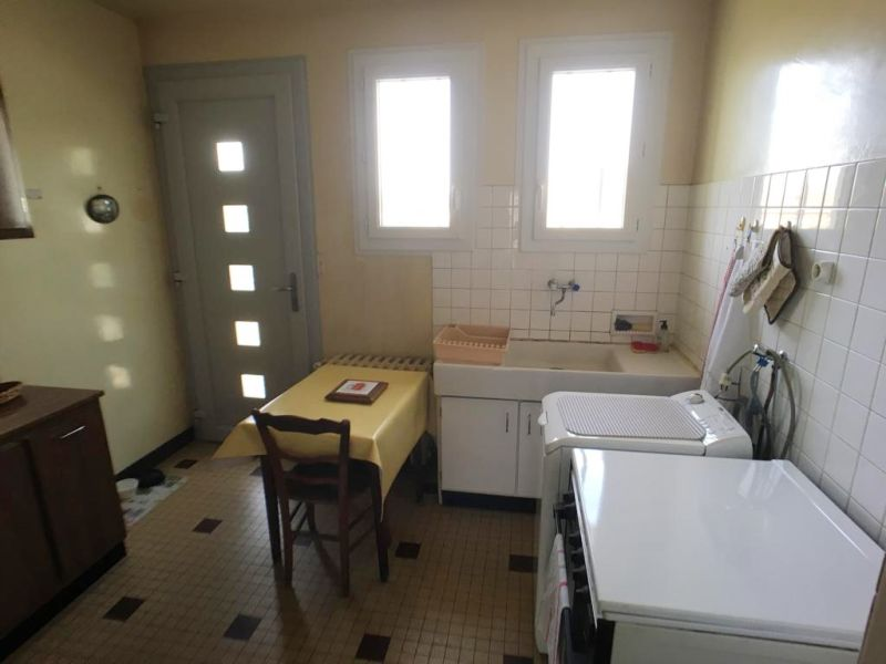 Sale house / villa La chartre sur le loir 78050€ - Picture 5