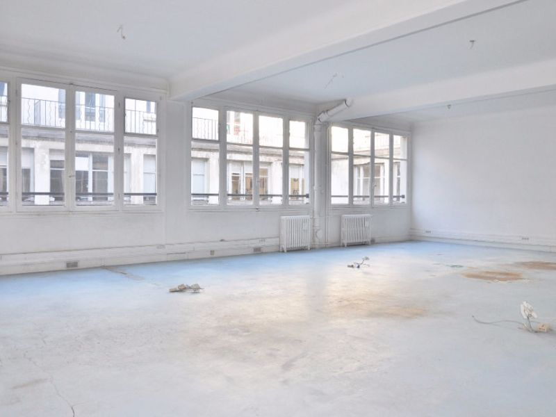Sale office Paris 1 742 300€ - Picture 4