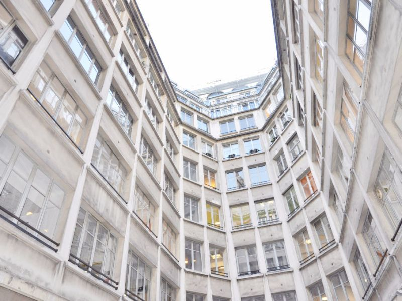 Sale office Paris 1 742 300€ - Picture 5