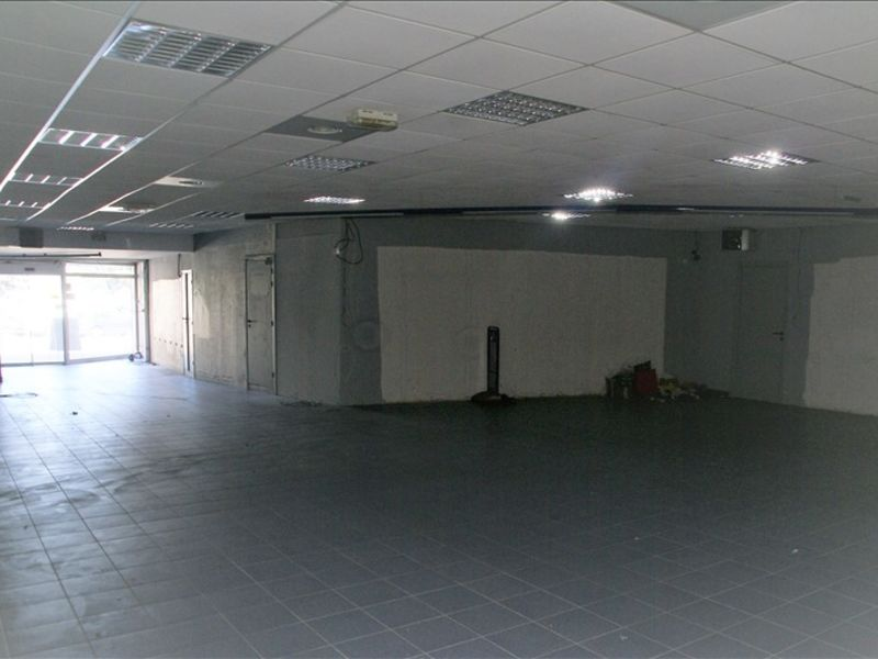 Location local commercial Quimperle 1 750€ HC - Photo 1