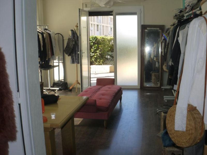 Sale empty room/storage Marseille 110000€ - Picture 1